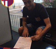 Ezio Borraccino firma con l'Apulia Food Canosa