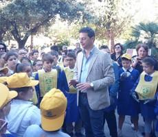 Puliamo il mondo 2017: gli alunni hanno tirato a lucido la villa comunale