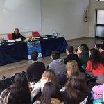 Il presidente Fontana con  gli alunni di Trani