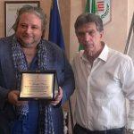 La Città della Disfida omaggia Giuseppe Pierro – Ambasciatore di Pace nel mondo – con una targa